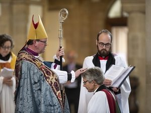 Packed congregation sees new Dean installed
