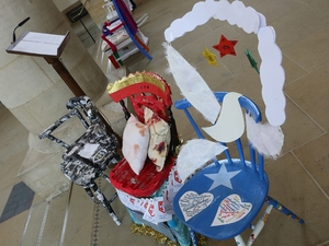 Pupils celebrate everyday heroes at cathedral