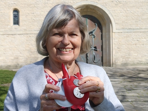 Cathedral churchwarden receives Maundy money