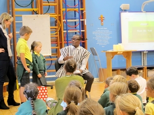 Ghanaian headteacher visits Hampshire school