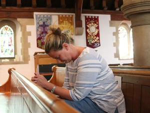Churches open their doors for private prayer